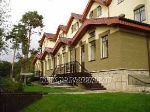 Аренда коттеджей в Курортном районе, снять таунхаус в Сестрорецке, комплекс Королевский курорт