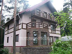 красивый особняк с фото, трехэтажный коттедж на берегу озера в Лебяжьем, 400 кв. м